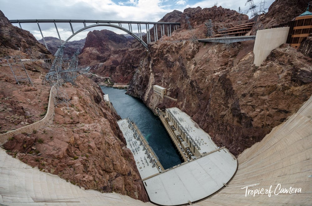 Wide angle photograph of Hoover Dam, USA